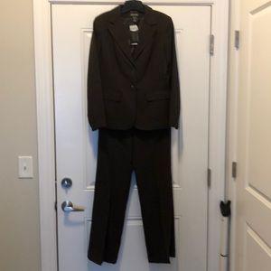 NWT Brown pant suit. 🤎